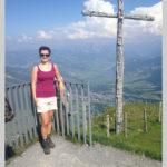 Brigitte Gisler beim Wandern